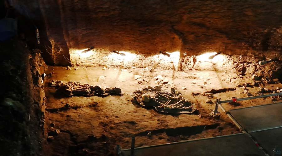 Can Sadurni cave
